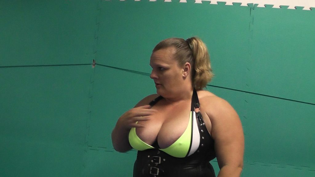 Big Tits Female Wrestler