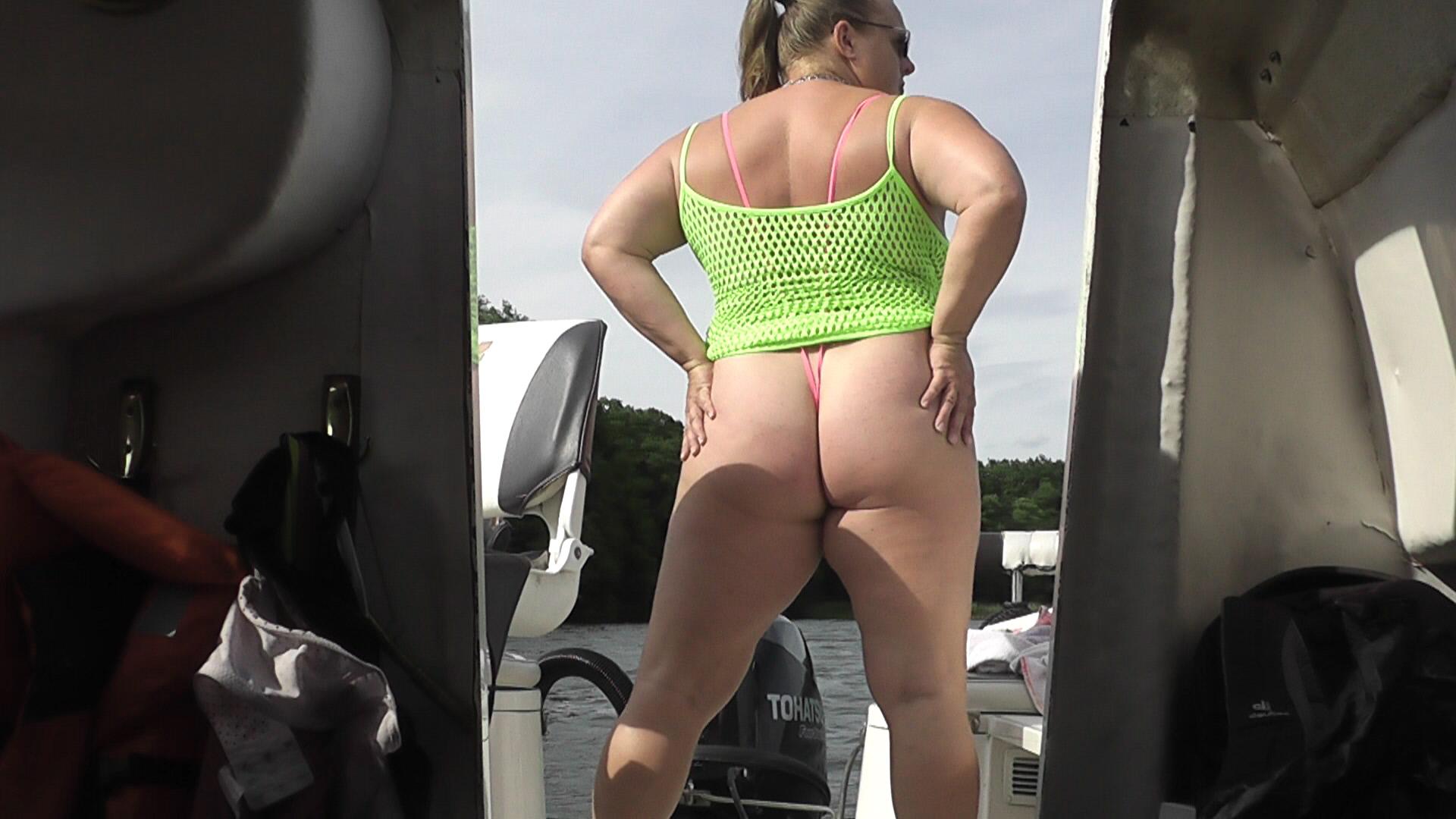 Big booty woman at el pollo loco part 1 - 2 part 1